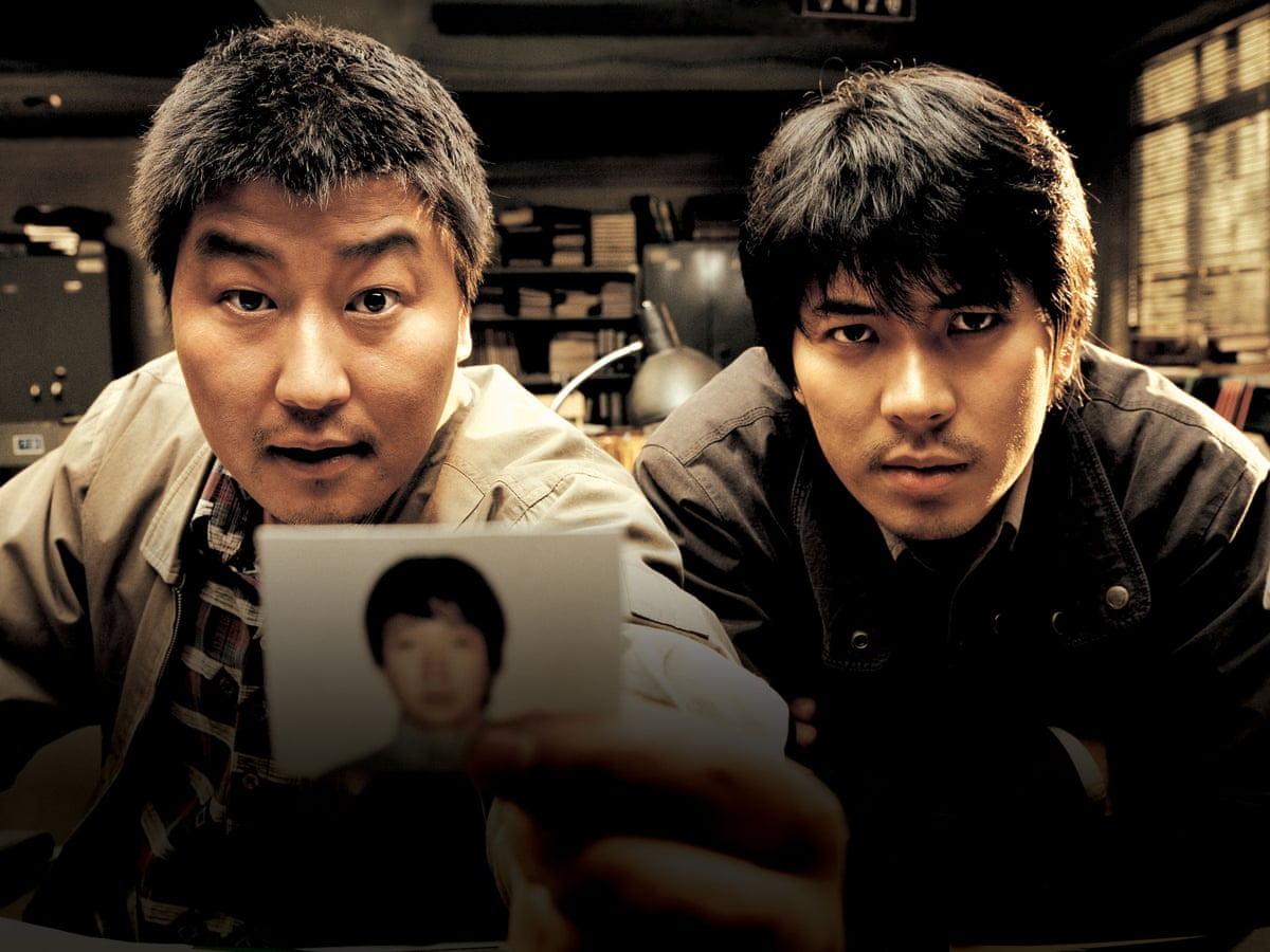 Kim Sang-kyung and a boy taking a selfie