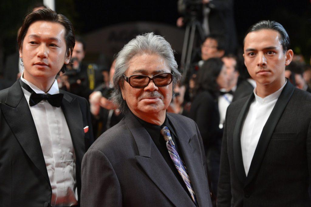 Arata Iura, Kôji Wakamatsu are posing for a picture